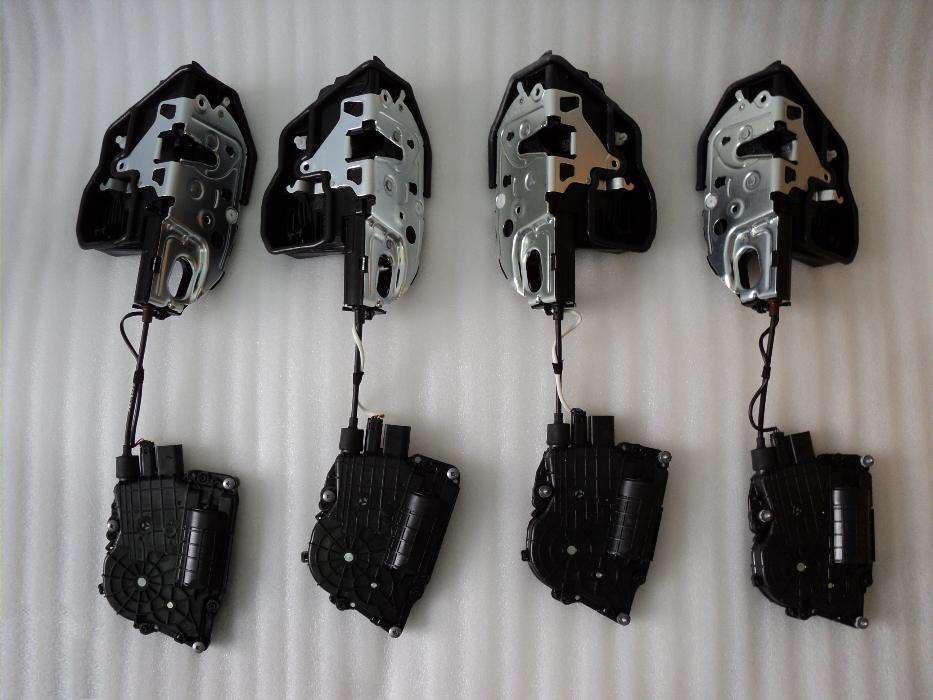 Оригинальный комплект доводчиков дверей BMW