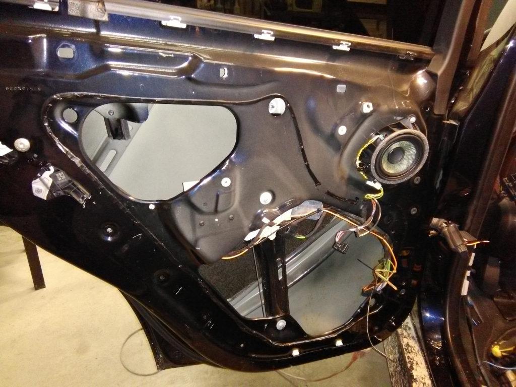 Доводчики дверей на BMW X5 F15